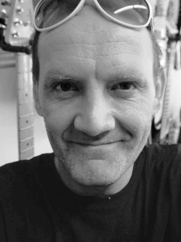 Gary Stegen, Reparatur, Verkauf und Beratung | Musikhaus Karami