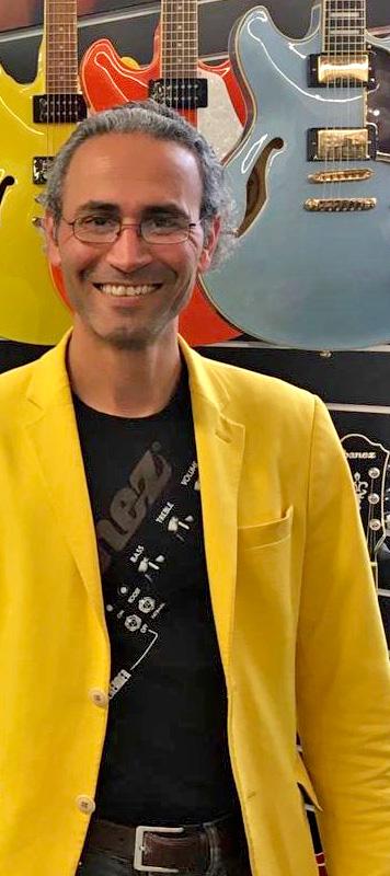 Mashroot Karami | Inhaber des Musikhaus Karami